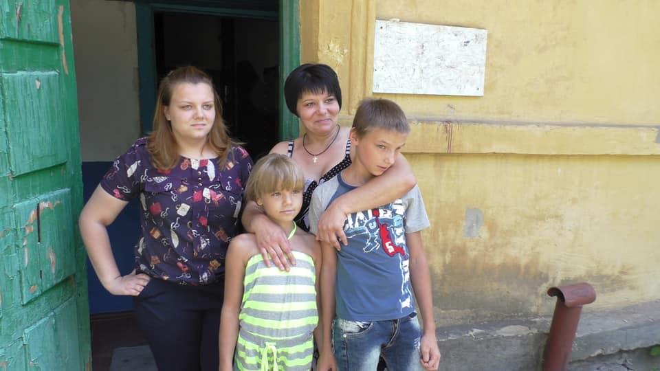 Olya Sidorenko et ses 5 enfants