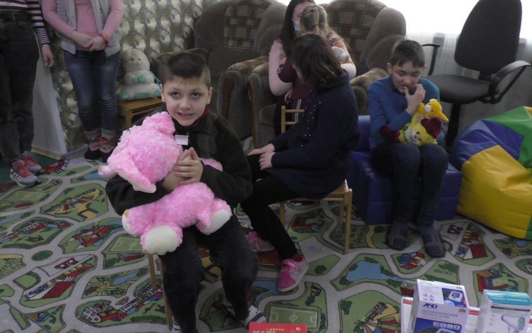 Nouvelles des dernières missions humanitaires de Ouest-Est au Donbass en guerre !